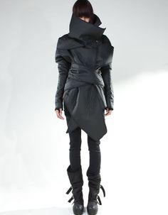Post apocalyptic fashion / all black / cyberpunk / Japanese women's fashion Apocalyptic Clothing, Post Apocalyptic Fashion, Alternative Mode, Alternative Fashion, Dark Fashion, High Fashion, Women's Fashion, Fashion Ideas, Dystopian Fashion