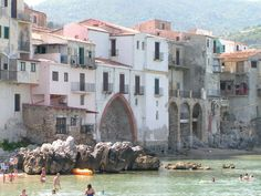stunning pictures of Sicily | Cefalu, Sicily, Italy - Travel via Italy