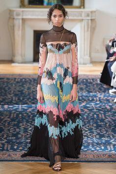 Valentino - Spring 2017 Ready-to-Wear Mais