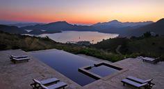 Selimiye Koyu'na bakan bir tepe üzerinde yer alan Kekik Hotel, panoramik deniz…