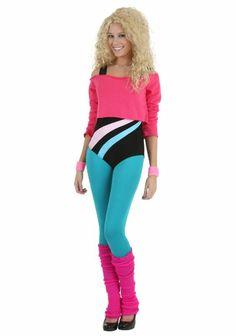 mode des années 80 style aérobique Jane Fonda tenue de sport en rose bonbon et bleu turquoise