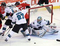 Former Bulldog Goalie Alex Stalock has 1st NHL start