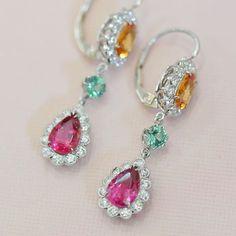 Ricardo Basta Fine Jewelry. Garnet earrings.  #ricardobasta