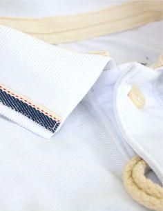 Camisa Polo Masculina Branca Com Listra na Gola e Punho