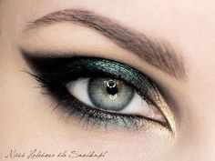 green, black gold look. Recreate using Urban Decay Smoked palette.