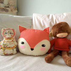 almofada raposa - decoração sem marca Tooth Fairy Pillow, Tooth Pillow, Fox Decor, Baby Decor, Diy Sewing Projects, Sewing Crafts, Fox Party, Animal Bag, Best Pillow