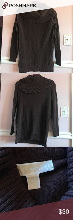 Michael Kors Cowl Neck Pullover Sweater Michael Kors Cowl Neck Pullover Sweater Deep chocolate brown Worn a few times, good condition 60% cotton, 40% acrylic Size XS (runs large) MICHAEL Michael Kors Sweaters Cowl & Turtlenecks