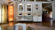 Rustikale Badezimmerelemente und -möbel Alcove, Heine, Mirror, Bathroom, Design, Furniture, Home Decor, Powder Room, Shower