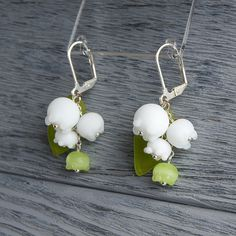 Hey, I found this really awesome Etsy listing at https://www.etsy.com/listing/161762258/may-lily-lampwork-earrings-lily-of-the