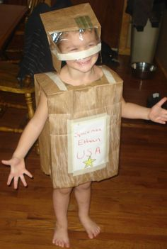 This is a costume made from brown paper bags. Easy to make space suit. & 46 best Sci-fi Costume Ideas images on Pinterest | Costume ideas ...