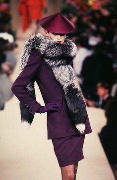 Yves Saint Laurent - Fall / Winter 1996 ImageID: 407374