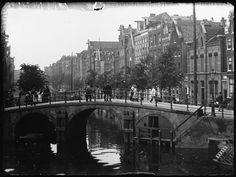 Lauriergracht, Amsterdam 1891. Brug over de Prinsengracht. Foto: Jacob Olie