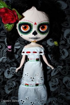 Just learned about these Blythe dolls - LOVE the Day of the Dead one!!  Anyone know where to buy it?