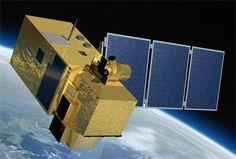 Spazio: il satellite Sentinel-2A pronto al lancio con il lanciatore Vega. L'obiettivo della missione è monitorare i cambiamenti nella copertura  del suolo e il monitoraggio della vegetazione a livello globale