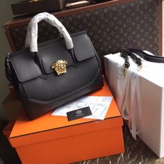 Versace Bag, Large Bags, Bago, Leather Bag, Bag Accessories, Self, Leather  Bag Men, Carry All Bag, Leather Satchel 36767f37fa