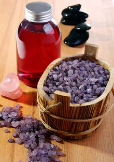 DIY Homemade Lavender Bath Salts (Easy & Fun) <--- mine was NOT as pretty but it smells quite nice all the same. Lavender Bath Salts, Diy Spa, Do It Yourself Crafts, Perfume, Homemade Beauty Products, Beauty Recipe, Home Made Soap, Bath Bombs, Homemade Gifts