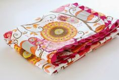 Ric Rac Receiving Blanket Tutorial by Sew Much Ado - TONS of baby blanket tutorials!
