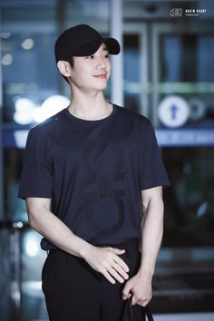 Jung hae in❤ Actors Male, Asian Actors, Korean Actors, Actors & Actresses, While You Were Sleeping, Dramas, Korean Entertainment, Korean Artist, Pretty Men