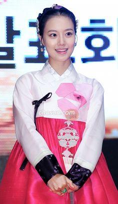 20110713 TPM_PressCon_426 Korean Traditional, Traditional Dresses, Modern Hanbok, Chou Tzu Yu, Moon Chae Won, Vintage Outfits, Vintage Clothing, Chinese Actress, Korean Actresses