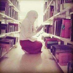 Niqab ❤ books