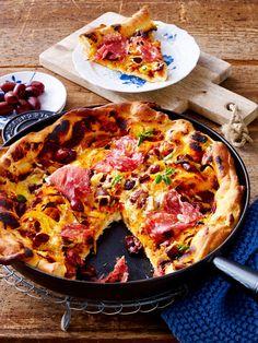 So bereitest du eine köstliche Pizza in der Pfanne zu!