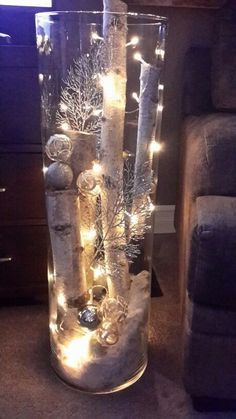 Christmas lighting - hallway ideas - Christmas lights Christmas lights The post. - Christmas lighting – hallway ideas – Christmas lights Christmas lights The post Christmas ligh - Diy Christmas Decorations Easy, Christmas Centerpieces, Xmas Crafts, Diy Christmas Lights, Rustic Christmas Crafts, Centerpiece Ideas, Diy Crafts, Gold Christmas, Simple Christmas