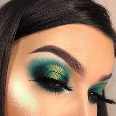 Saint Patrick eye makeup - new_make_up_pintennium Green Eyeshadow Look, Best Eyeshadow, Makeup For Green Eyes, Eyeshadow Looks, Eyeshadow Makeup, Eyeshadows, Cream Eyeshadow, Green Smokey Eye, Eyeshadow Ideas