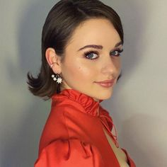 Actress and newest ambassador for Urban Decay, Joey King, shares her self-care rituals, how she stays grounded, and what it was like to shave her head for a third time. Celebrity Workout, Celebrity Style, Shave Her Head, Jimmy Neutron, Gypsy Rose, Kissing Booth, Grow Out, Grow Hair, Celebrity Hairstyles