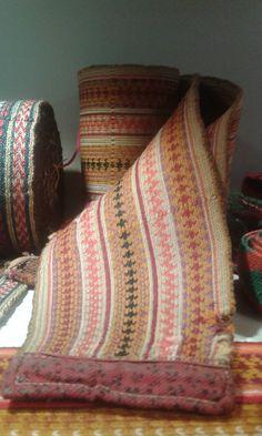 Gammelt belte til beltestakk Folk Costume, Costumes, Strange Flowers, Water Lilies, Creative Inspiration, Knit Crochet, Lily, Culture, Historia