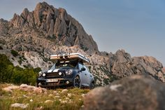 The Camp is a rooftop sleeping compartment designed to be on hand when sleeping quarters a. Mini Countryman, British Summer, Country Men, Camping Gear, Concept Cars, Rooftop, In The Heights, Adventure, Explore
