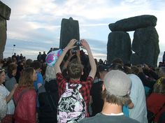 A bad witch's blog: More Photos of the Solstice Sunset at Stonehenge
