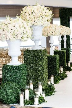 Tips on planning your wedding colors from Design House Decor to help as a guideline through the process of finding a color scheme for your dream day.