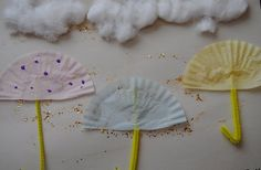 Easy fun way to make umbrellas and rain pictures!
