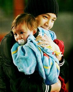 """""""Baby and Me"""". Amazing korean movie =). Love that picture ♥"""