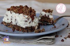 la sbriciolata alla ricotta senza cottura è una torta fredda facile e veloce che potete preparare in pochi minuti e senza cuocere niente.