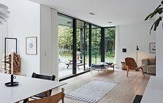 Att jag är svag för Dansk arkitektur, funkishus och rena siktlinjer är ingen nyhet men jag kan tycka det är lite knepigt att hitta inspiration på nätet. Därför blev jag glad när jag hittade sajten…