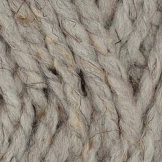Grey marble yarn: its super bulky weight makes it perfect for warm sweater and scarves