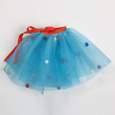 Tutú Azul con borlas de venta en: http://shop.fiestascoquetas.com