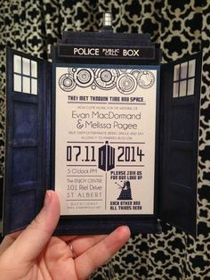 """Invite guests to your """"Dr. Who"""" wedding adventure 