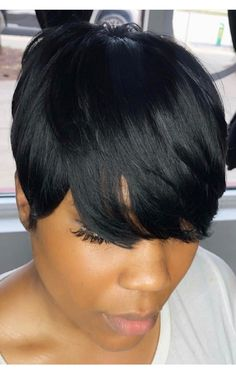Canapés of long hairstyles Bob; It is, in the first place, among the hair styles that all ladies love very much. Canapés of long bob… Continue Reading → Short Hairstyles For Thick Hair, Cute Hairstyles For Short Hair, Elegant Hairstyles, Short Hair Cuts, Short Hair Styles, Curly Short, Short Weave Styles, 27 Piece Hairstyles, Short Quick Weave