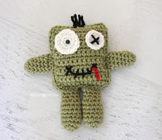 Repeat Crafter Me: Friendly Crochet Zombie Doll  Cute! Free crochet pattern