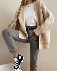 Winter Fashion Outfits, Fall Outfits, Autumn Fashion, Summer Outfits, Cosy Winter Outfits, Classic Fashion Outfits, Ootd Summer Casual, Fashion Clothes, Fashion Jewelry