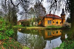 Alpokalja látnivalói: Szombathely, Kőszeg, Velem City People, Homeland, Places To Visit, Cabin, Explore, Mansions, House Styles, Building, Nature