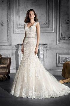 Νυφικά Φορέματα Demetrios Collection - Style 775