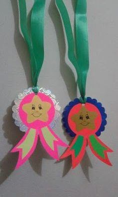 Medal Examples for Graduation - Preschool Children Akctivitiys Board Decoration, Class Decoration, School Decorations, Hobbies And Crafts, Diy And Crafts, Crafts For Kids, Arts And Crafts, Paper Crafts, Art N Craft