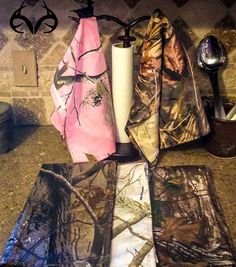 Realtree Camo Kitchen Towel - would be perfect with some deer antlers to hang them on. My house will have these in it. Kitchen Towels, Kitchen Decor, Kitchen Ideas, Kitchen Utensils, Kitchen Layout, Kitchen Stuff, Kitchen Appliances, Camo Home Decor, Country Kitchen Designs