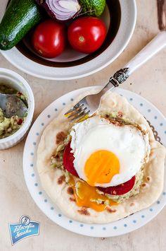 Chlebek z jajkiem i awokado