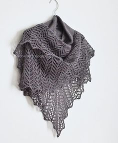 amethiste knitting pattern, larger shawl version - robin ulrich studio