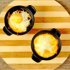 If you don't know what to do with the leftover mince from yesterday's dinner, maybe we can help with an idea. Fill two ramekin dishes with some mince, add shredded mozzarella cheese and top with an egg. Bake these mini casseroles and serve them for breakfast!