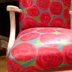 April showers bring spring flowers! This Lilly Pulitzer inspired chair was painted by stockist Sisters Unique of Newport News, VA using Chalk Paint® by Annie Sloan.